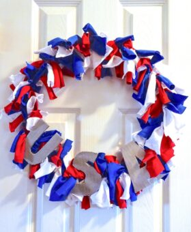 Easy 4th of July T-Shirt Wreath
