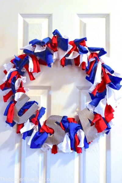 How to make an easy DIY Upcycled T-Shirt 4th of July Wreathin minutes!