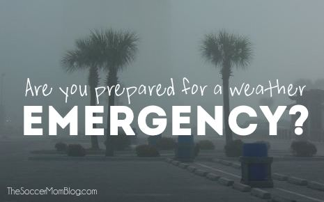 Are you ready in case of a weather emergency? Make your family storm and hurricane preparedness checklist - FREE printable!