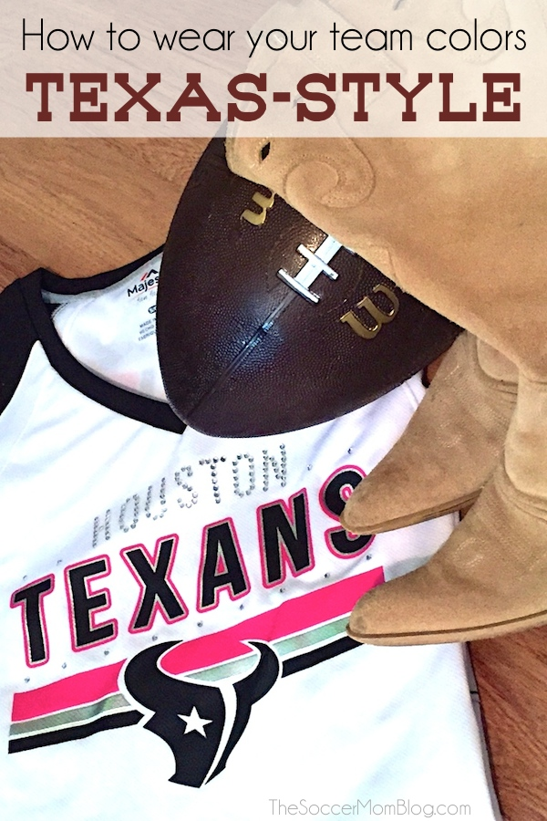 Looking for a new game day style? Do you show who you're rooting for outside the stadium too? Here's how we do it in Texas! #MyNFLFanStyle #CleverGirls