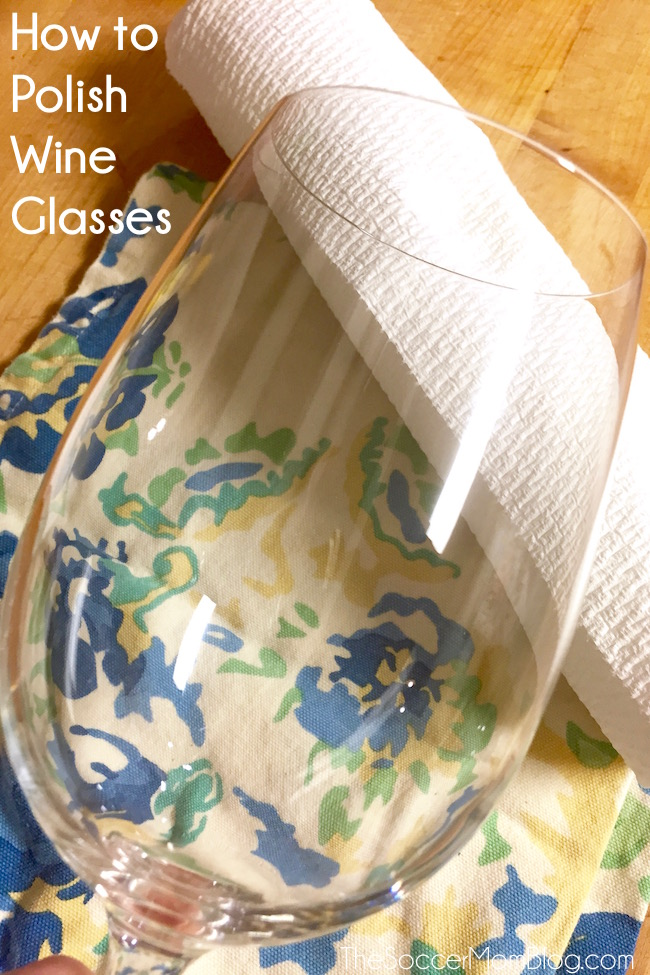 Get that fancy restaurant shine at home with these simple tips! Learn how to polish wine glasses like a pro in minutes! #7DaySwitchUp AD
