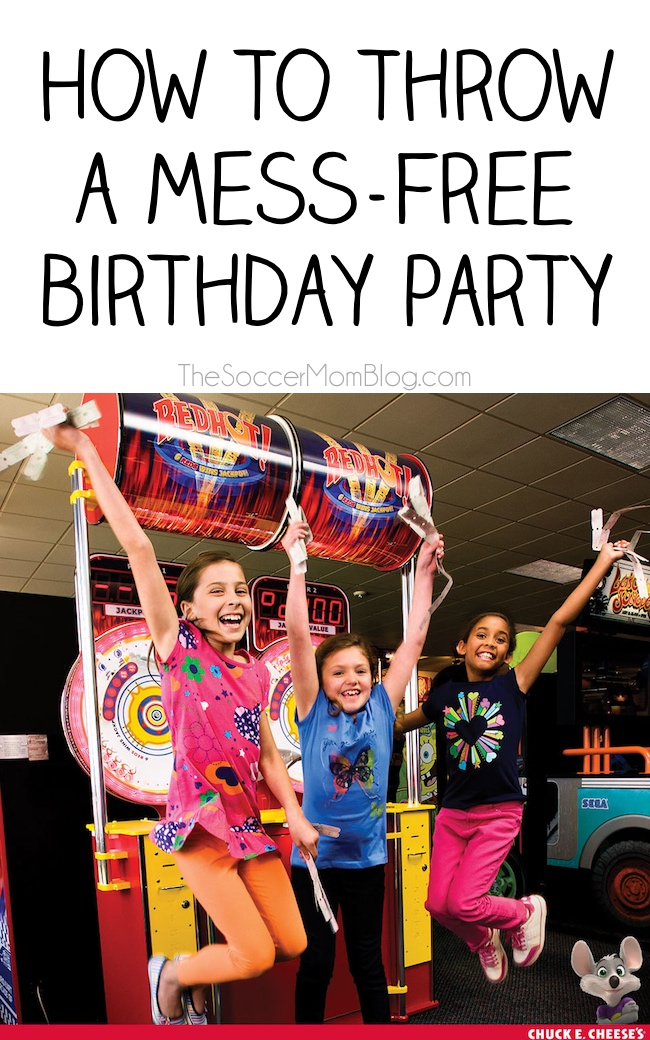 Planning a birthday party doesn't have to be stressful! See our plan for a worry free party with no clean-up! #chuckecheese #ad
