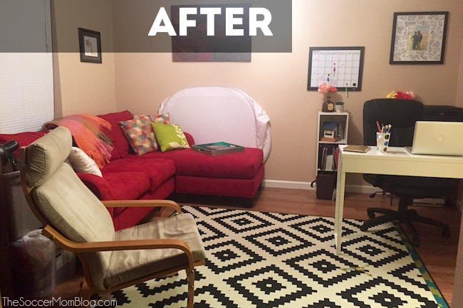 You CAN do complete home office makeover without spending a lot of money! Check out these near-genius office organization hacks for under $30!