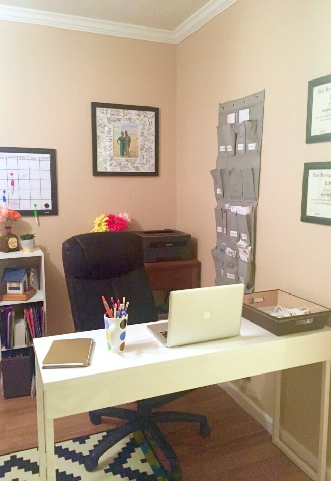 Must-see GENIUS office organization hacks - a total room makeover for under $30! How we tackled the clutter and created a system to stay organized on a shoestring budget (and you can too!)