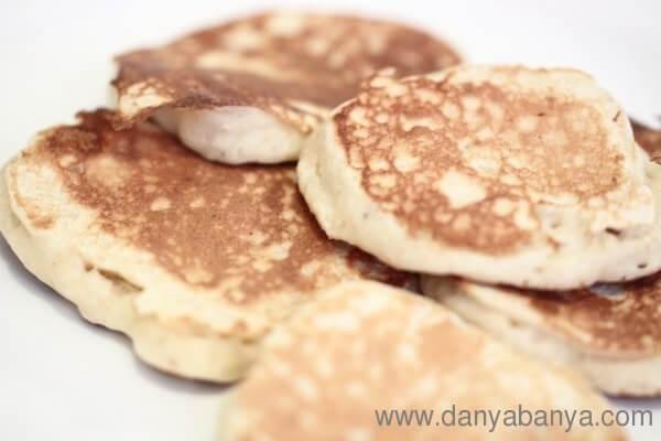 Wholemeal Banana Pancakes(Danya Banya)