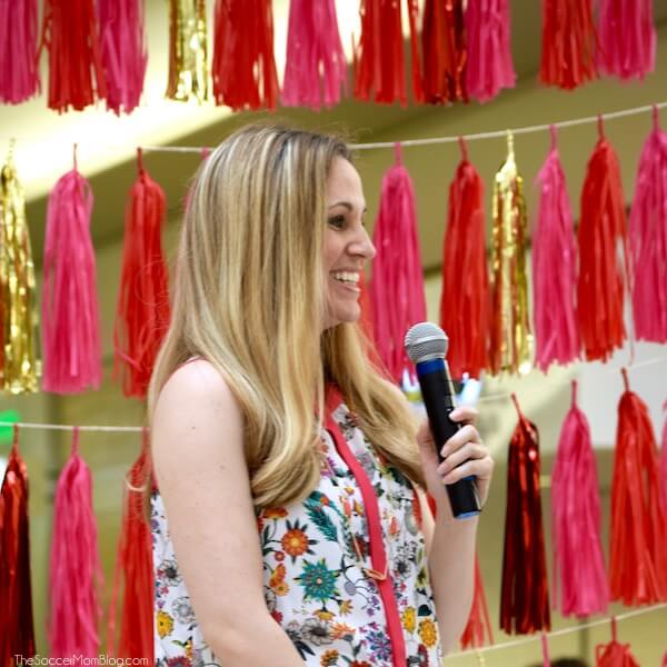 Expert tips from the JCPenney Mother's Day Pin-spired style event on how to wear florals without looking frumpy. Plus easy hair & beauty hacks for moms!