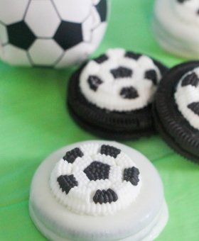 Chocolate Covered Soccer Oreos