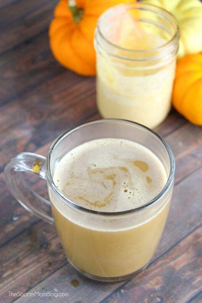 sugar free pumpkin spice latte in glass mug