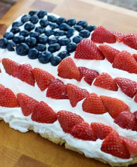 American Flag Fruit Pizza (Gluten Free)