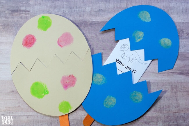 A double boredom buster! This Kids Dinosaur Discovery Eggs Craft is both fun to make, and is a game to help kids identify different dinosaur names.