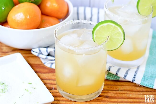 Forget powders and mixes— once you taste this fresh-squeezed skinny margarita recipe, you'll never go back!!