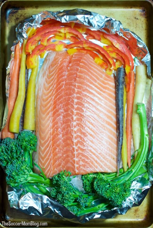 The foolproof (and easy) way to bake perfectly juicy restaurant-quality salmon in foil. Finished with a sweet & spicy Honey Sriracha Glaze.