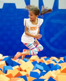 7 Trampoline Fitness Benefits for All Ages