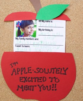 """About Me"" Apple Card for Meet the Teacher Day (VIDEO)"