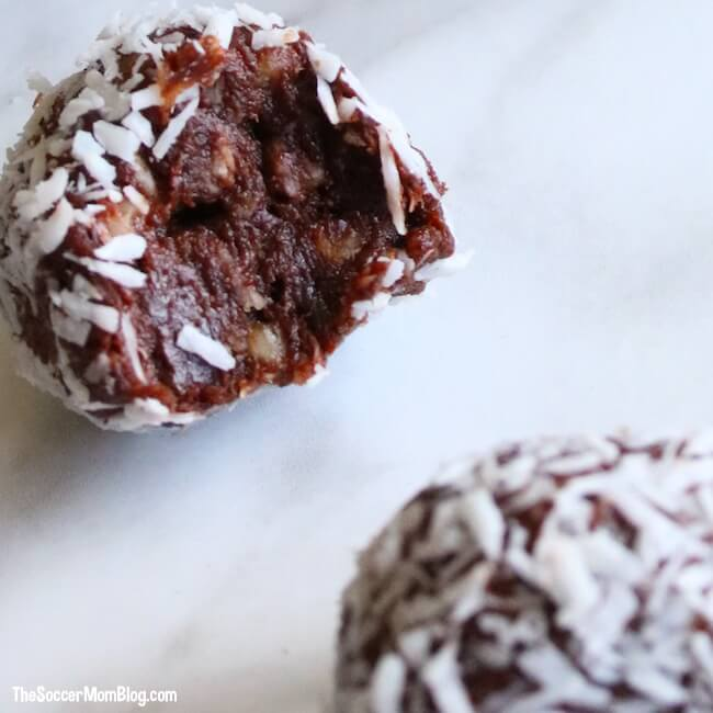 Eating right couldn't be easier (or tastier!) with these delicious Chocolate Coconut Protein Balls! A simple, healthy make-ahead breakfast or energy boosting grab-n-go snack.
