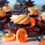 These easy chocolate spiderweb Halloween cupcake topperswill help you create a wow-worthy holiday dessert in record time!