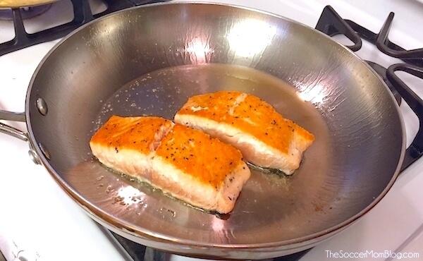 Pan-seared salmon cooking method