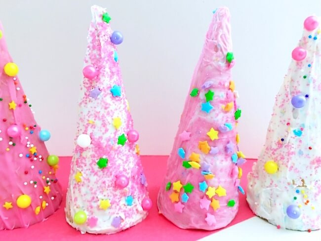 These edible unicorn horns are perfect to enjoy on their own, or pop 'em on top of a bowl of your favorite ice cream for a super special sundae!