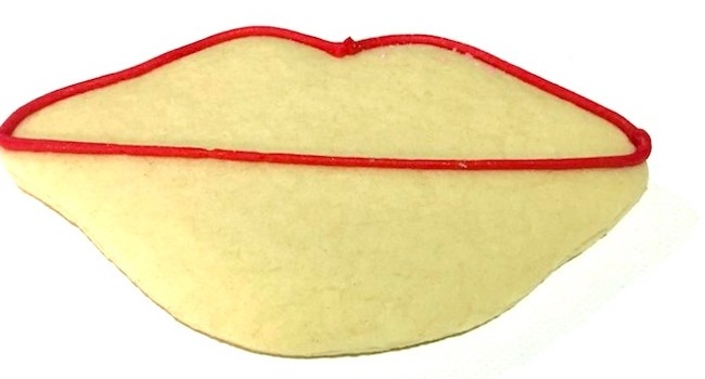 How to make lip shaped Valentine's Day cookies
