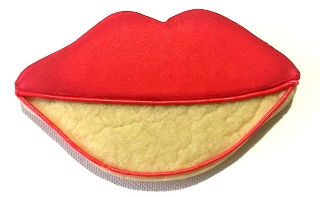 How to make kiss lips cookies for Valentines Day