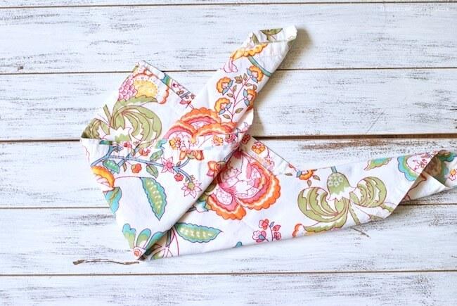 How to fold cloth bunny napkins