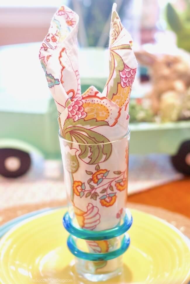 Easy folded Easter Bunny napkins
