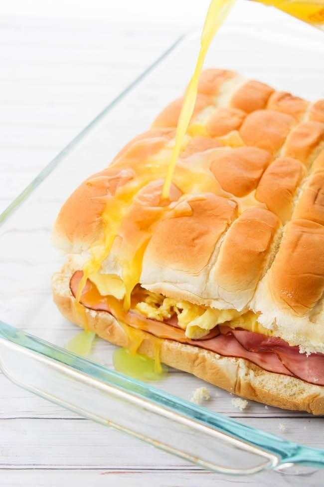 How to make easy breakfast sliders