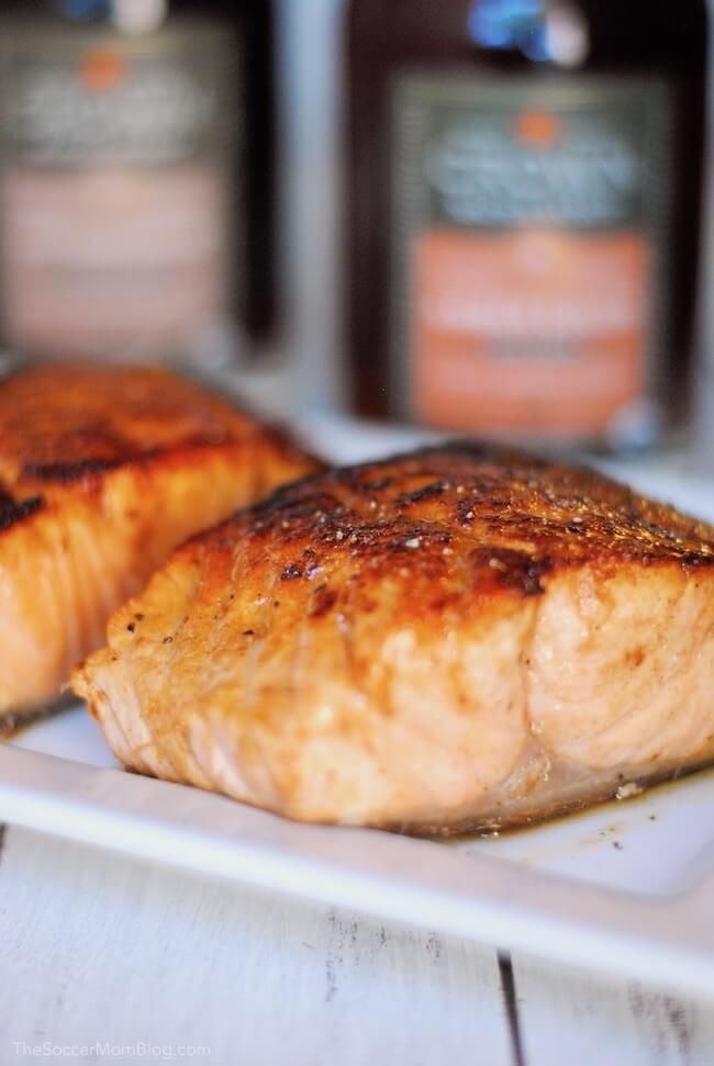 This Sherry Maple Glazed Salmon is the perfect combination of sweet and savory flavors! A easy & healthy dinner recipe with only 5 simple ingredients that's ready in less than 30 minutes.