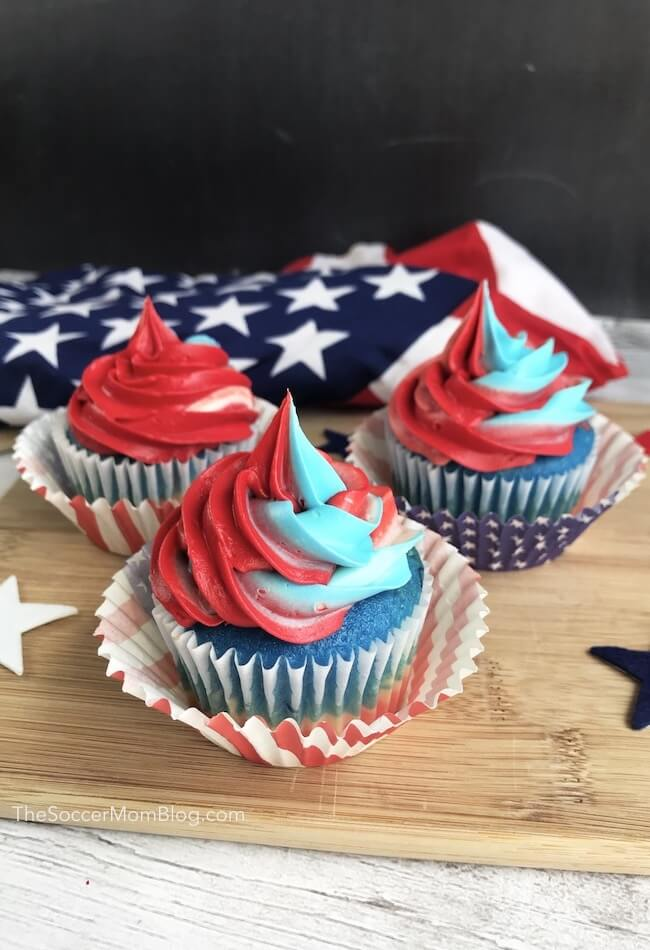 These gorgeous Red White & Blue Swirl Cupcakesare guaranteed to steal the show atyour next 4th of July party!