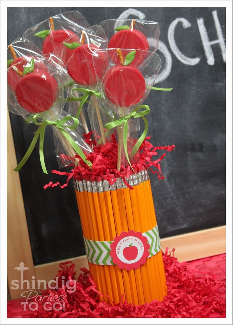 "Oreo ""Apple"" pops with pencil vase"
