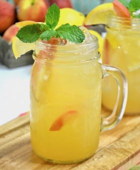 Skinny Peach Lemonade