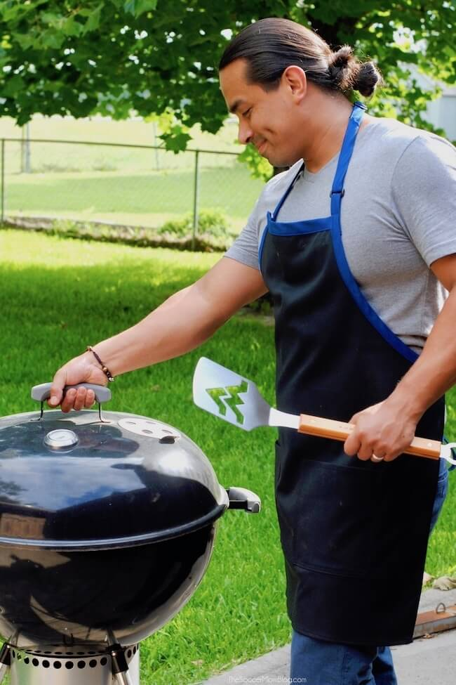 Grilling in the backyard with Sportula grilling spatula