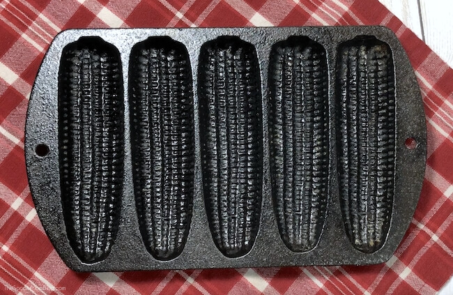 Corncob shaped baking pan