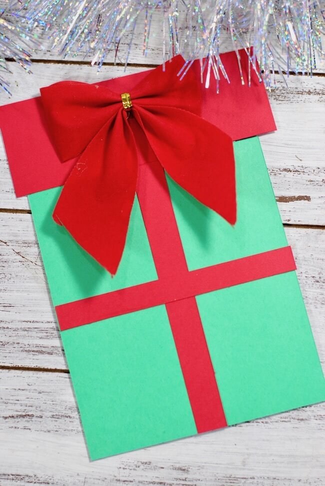 Christmas Present Pop-Up Card (with Video) - The Soccer Mom Blog