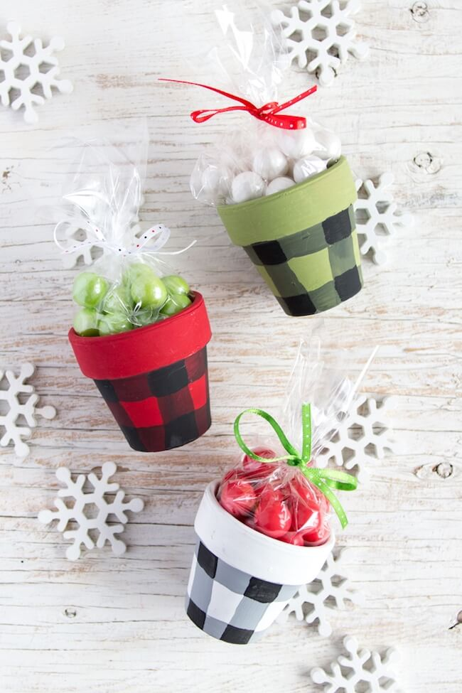 Buffalo Plaid Painted Pots are a gorgeous holiday decoration or handmade Christmas gift idea! Click for video tutorial & photo step-by-step instructions.