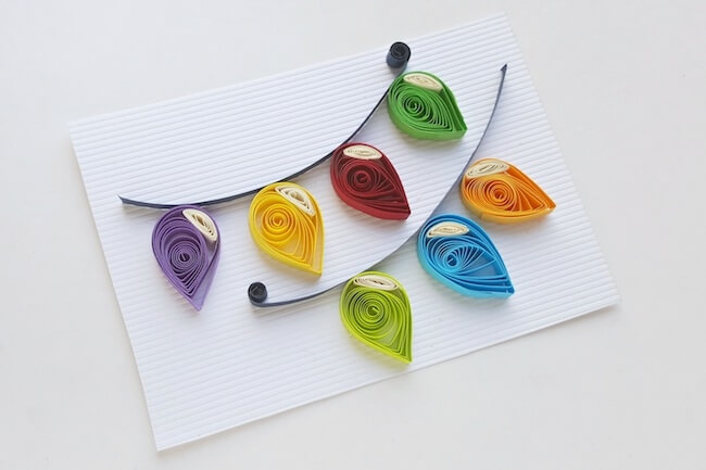 How to make Christmas lights with quilling paper