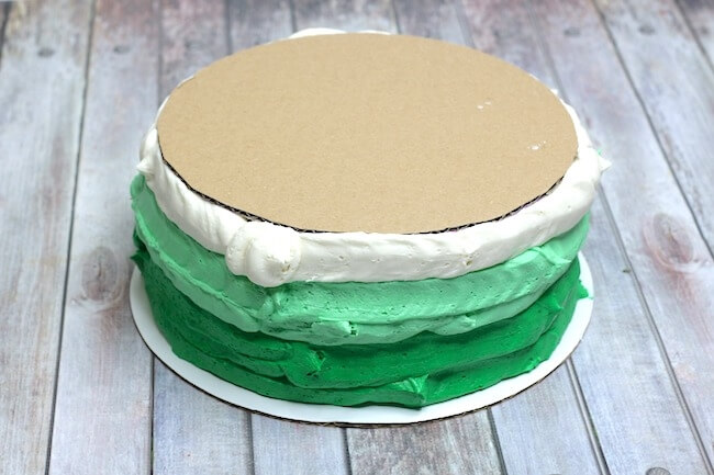 How to make a mint Oreo layer cake for St. Patrick's Day
