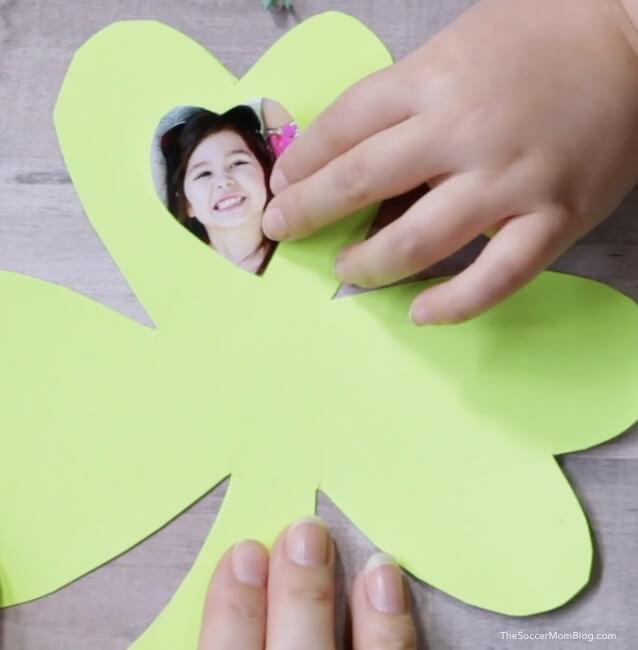 shamrock photo card - kids St. Patrick's Day craft tutorial