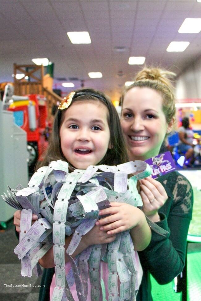 How to get Chuck E. Cheese free tickets