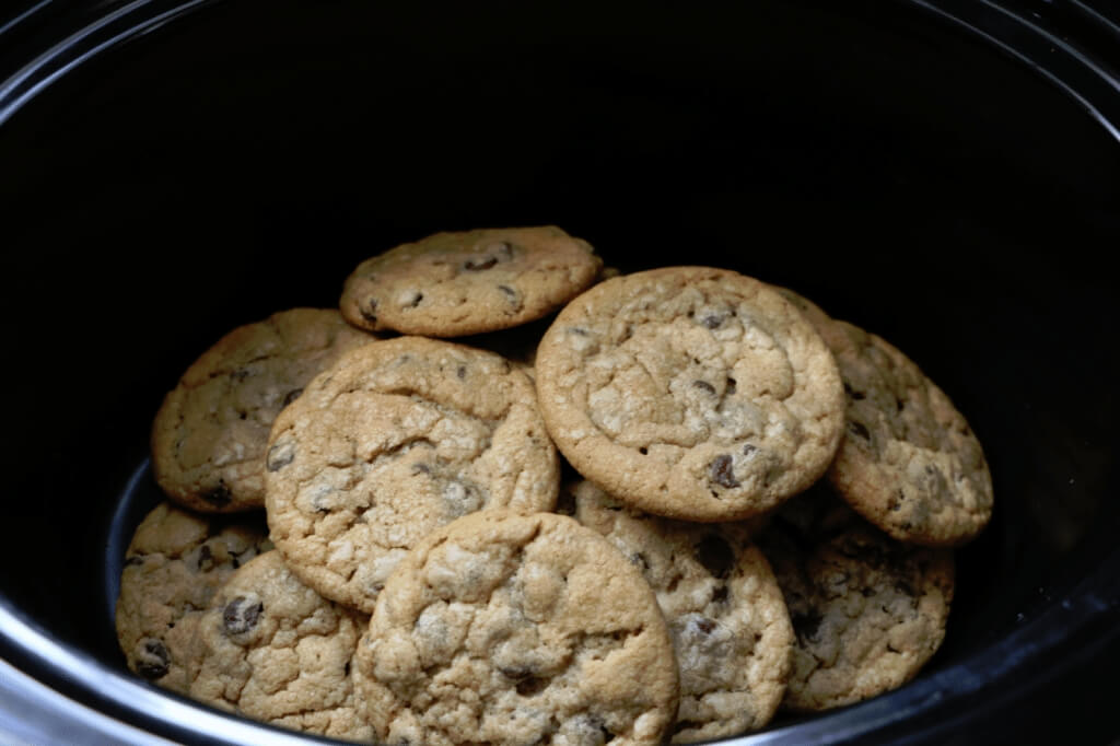 chocolate chip cookies in a crockpot