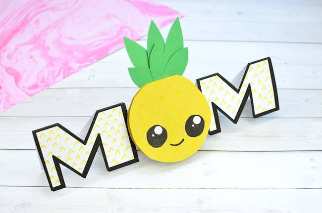 A sunny and sweet Pineapple Card that's perfect for Mother's Day, birthdays, and more!
