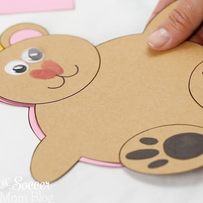 Show Papa Bear how much he is loved with this kid-made Teddy Bear Card! This adorable 3D paper bear craft holds a child's photo and opens to reveal a sweet message inside.