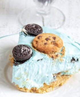 No Bake Cookie Monster Cheesecake