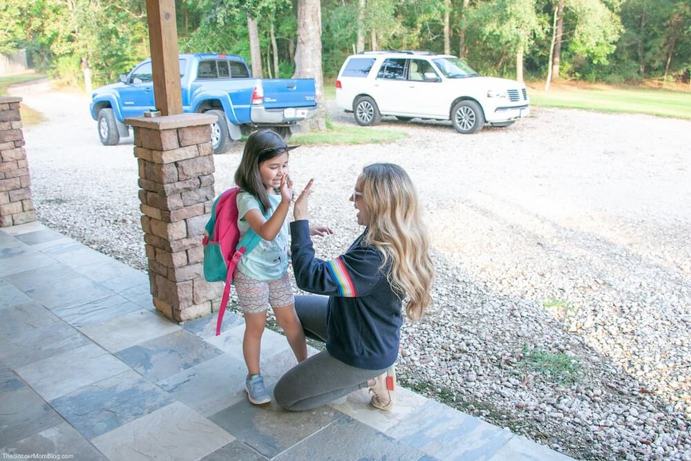 Every year parents hate on the school car rider line. Here's why the extra time spent in the school drop-off and pick-up line is actually a GOOD thing!
