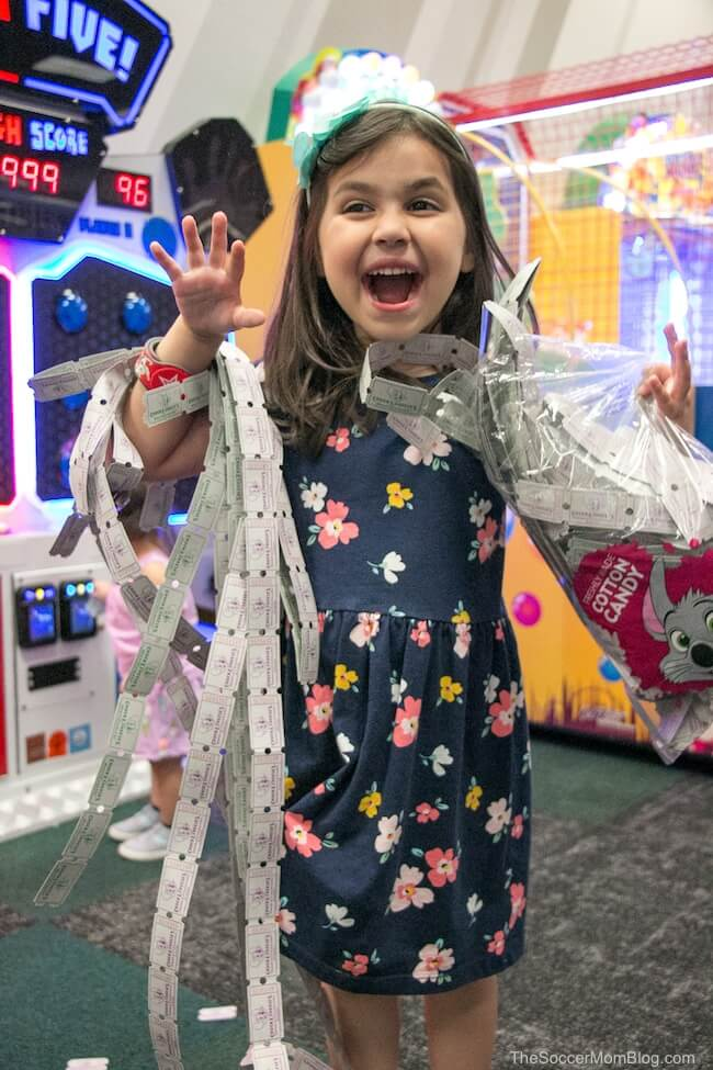 Chuck E. Cheese new look and games