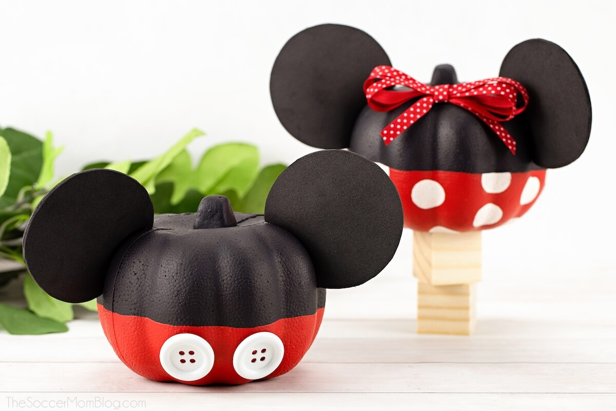 mickey mouse and minnie mouse pumpkins craft
