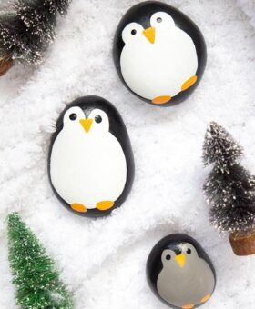 Penguin Painted Rocks – Cute Christmas Painted Rocks