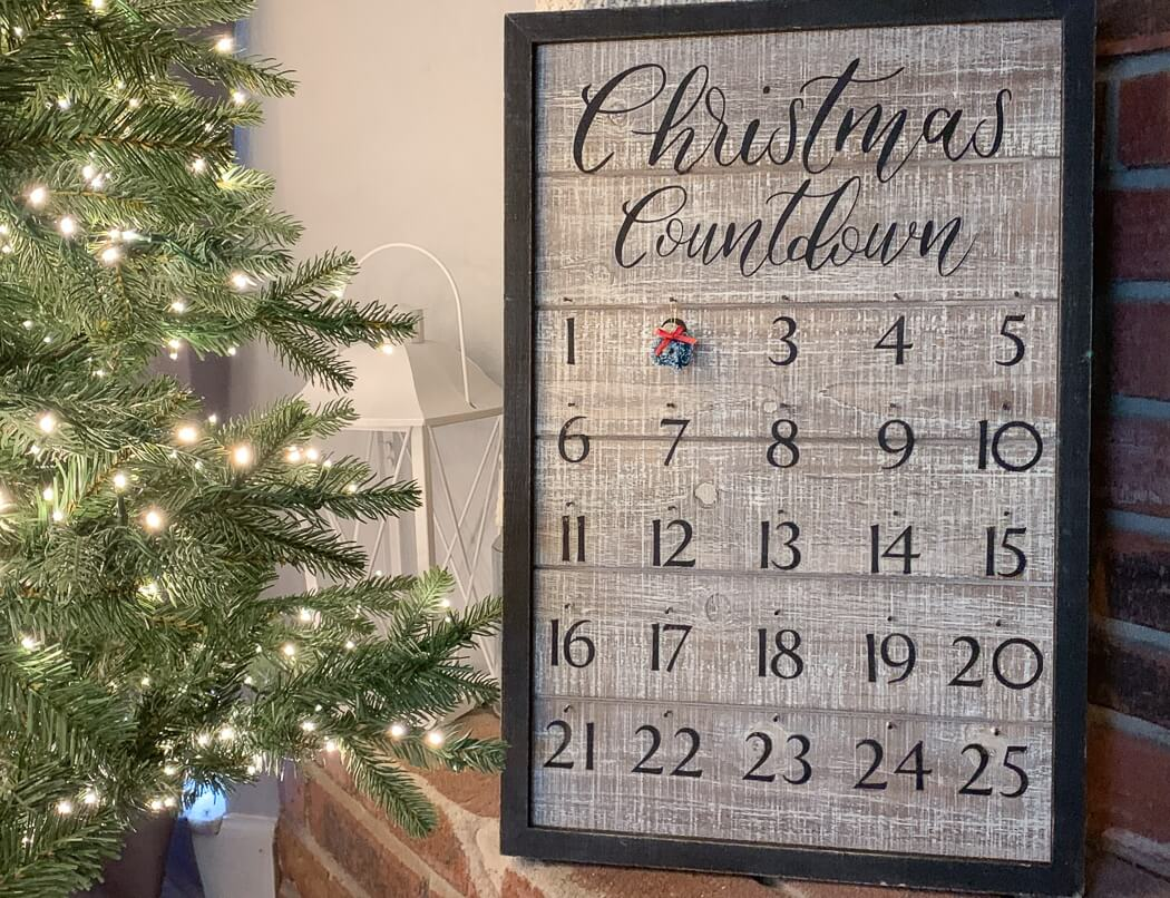 wooden advent calendar Cricut Christmas craft