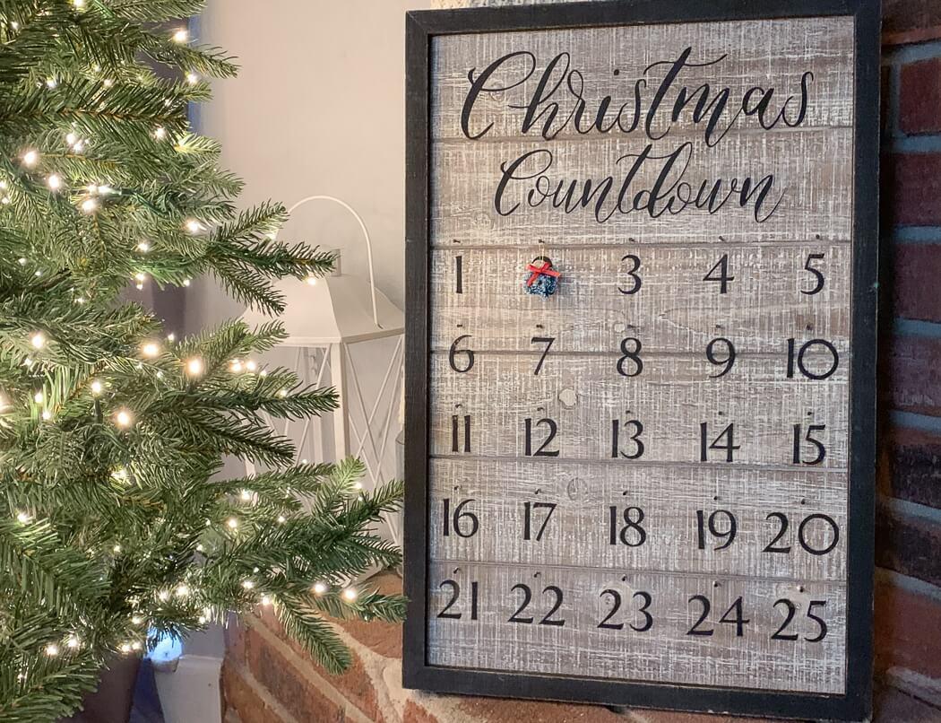 wooden advent calendar Cricut Christmas craft