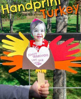 Construction Paper Turkey Handprint Craft